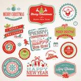 Escrituras de la etiqueta y elementos por la Navidad y el Año Nuevo ilustración del vector