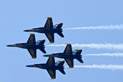 Escuadrilla de la demostración de los ángeles azules Imagen de archivo libre de regalías