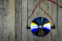 Escucha la música del disco cd, concepto de la tecnología Imagen de archivo