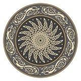 Escudo céltico, adornado con un modelo solar europeo antiguo libre illustration
