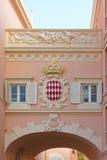 Escudo de armas de Mónaco Fotografía de archivo libre de regalías