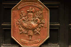 Escudo de armas francés de cobre Fotos de archivo libres de regalías