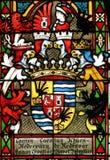 Escudo de armas de la prohibición Khuen Hedervary, vitral en la catedral de Zagreb fotografía de archivo