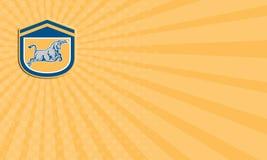 Escudo de carga de Bull de tarjeta de visita que ataca retro Imagen de archivo libre de regalías