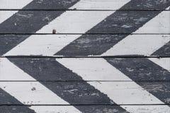 Escudo de madera en una raya oblicua Foto de archivo