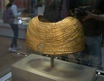 Escudo de oro en el museo británico en Londres Fotos de archivo libres de regalías