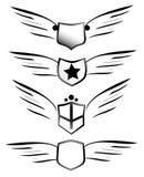 Escudos cons alas ilustración del vector