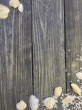 Escudos de madeira do fundo imagem de stock