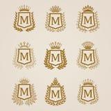 Escudos de oro con la guirnalda del laurel Foto de archivo