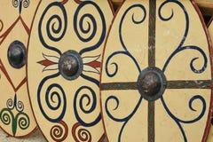 Escudos romanos fotos de archivo