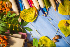 Escuela de la parte posterior del otoño del concepto del fondo del vintage Fotos de archivo libres de regalías