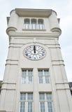 Escuela del reloj de la torre Fotografía de archivo libre de regalías