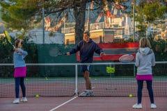 Escuela del tenis al aire libre Fotos de archivo libres de regalías