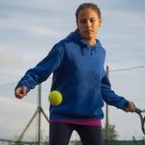 Escuela del tenis al aire libre Imagen de archivo libre de regalías