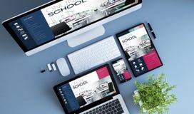 escuela en línea de los dispositivos azules de la visión superior imagen de archivo