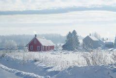 Escuela inglesa anterior de la comunidad de Eaton en Estrie en un día de invierno frío en Canadá imagen de archivo libre de regalías