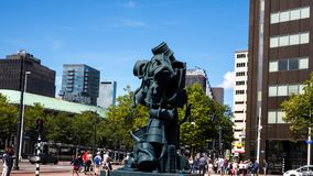 Esculpa el ` llamado de la cascada del ` de Atelier van Lieshout 2009 en Rotterdam, Países Bajos Fotos de archivo libres de regalías