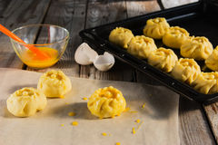 Esculpir o conceito do kurniki das tortas do russo Imagens de Stock Royalty Free
