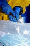 Escultor del hielo fotos de archivo libres de regalías