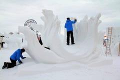Escultores de la nieve fotografía de archivo