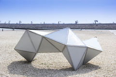 Escultura abstracta en Bahrein Imagenes de archivo