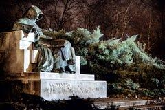 Escultura anónima asustadiza en Budapest Foto de archivo