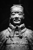 Escultura antiga da terracota de um soldado chinês  Foto de Stock