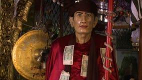 Escultura asiática del hombre de la cera almacen de metraje de vídeo