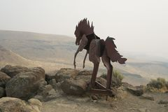 Escultura cerca de ventajoso, Washington, los E.E.U.U. del caballo salvaje Fotos de archivo