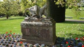 Escultura constructiva histórica del parque de Alemania del parque zoológico de Wilhema fotos de archivo