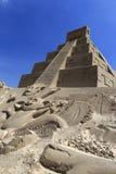 Escultura da areia da pirâmide maia fotos de stock
