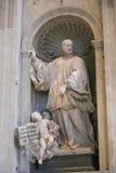 Escultura da basílica de St Peter, Vaticano, Itália imagem de stock