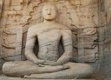 Escultura da Buda no templo da pedra do vihara do galão em Polonnaruwa em Sri Lanka imagem de stock