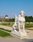 Escultura da esfinge no palácio superior do Belvedere, em Viena Imagens de Stock
