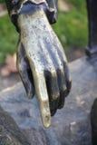 Escultura da mão de ferro. Foto de Stock Royalty Free