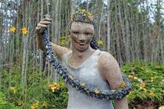 Escultura da mulher no parque da escultura de Parikkala, Finlandia Imagem de Stock