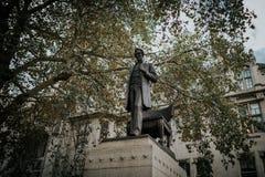 Escultura de Abraham Lincoln no Parliament Square, na cidade de Westminster, Londres, Inglaterra fotografia de stock