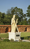 Escultura de Andrew Apostle perto da igreja de Jude Thaddaeus Luchaj belarus foto de stock