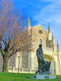 Escultura de bronce del pintor para Prado en frente Imagen de archivo
