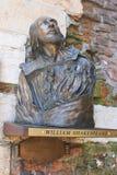 Escultura de bronze de William Shakespeare em Verona fotos de stock