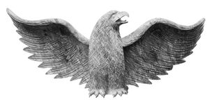 Escultura de Eagle isolada no branco foto de stock