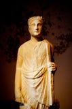 Escultura de Egipto del traje que lleva del hombre sabio Imagen de archivo libre de regalías