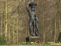 Escultura de Fisher no parque do castelo de Schloss Rheydt fotografia de stock royalty free