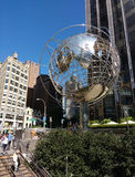 Escultura de The Globe na 59th rua Columbus Circle Subway Station, New York City, EUA Fotos de Stock Royalty Free