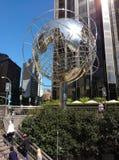 Escultura de The Globe na 59th rua Columbus Circle Subway Station, New York City, EUA Imagem de Stock Royalty Free