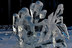 Escultura de hielo de un dragón Fotos de archivo libres de regalías