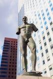 Escultura de Igor Mitoraj na defesa do La, Paris, França Fotos de Stock Royalty Free