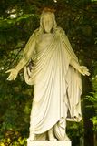 Escultura de Jesus no cemitério, água de Colônia, Alemanha imagem de stock royalty free