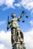 Escultura de Justitia (senhora Justice) Fotografia de Stock Royalty Free