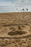 Escultura de la arena de la sirena en la playa Fotografía de archivo libre de regalías
